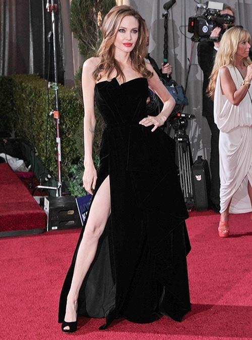 Angelina-Jolie-slit.jpg